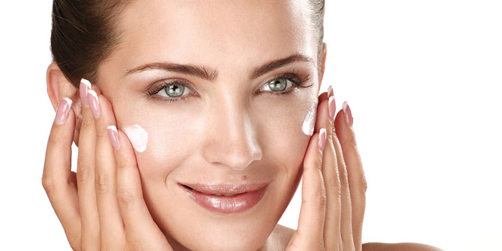 13 Moisturizer Hacks That You Can Add To Your Skincare Routine